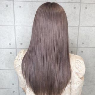 クリーミーカラー フェミニン パープルカラー パープルアッシュ ヘアスタイルや髪型の写真・画像