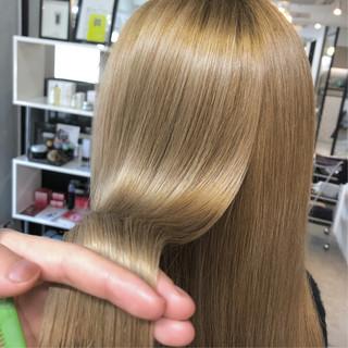 ツヤツヤ 美髪 セミロング ナチュラル ヘアスタイルや髪型の写真・画像