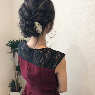 アップスタイル ねじり ヘアセット セミロング ヘアスタイルや髪型の写真・画像