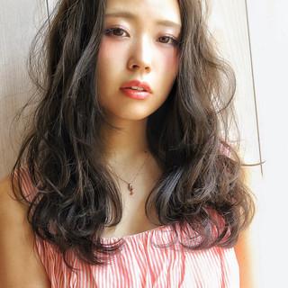 くせ毛風 パーマ フェミニン ピュア ヘアスタイルや髪型の写真・画像