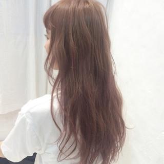 ロング ピンク ダブルカラー 透明感 ヘアスタイルや髪型の写真・画像