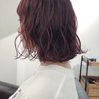 ピンクアッシュ アンニュイほつれヘア ラベンダーピンク ボブ ヘアスタイルや髪型の写真・画像