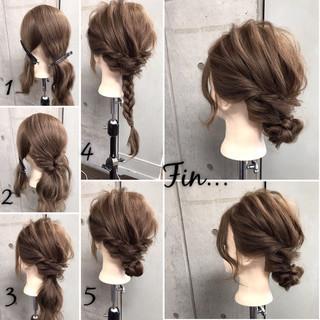 セミロング 簡単ヘアアレンジ ナチュラル 大人女子 ヘアスタイルや髪型の写真・画像