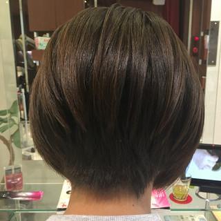 大人女子 オフィス 冬 ボブ ヘアスタイルや髪型の写真・画像 ヘアスタイルや髪型の写真・画像