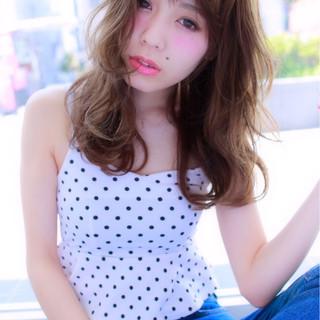 大人かわいい ゆるふわ 外国人風 アッシュ ヘアスタイルや髪型の写真・画像