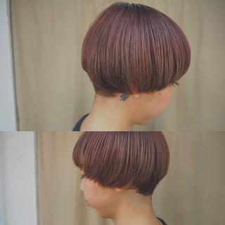 ショート ピンクアッシュ ラベンダーピンク ブリーチ ヘアスタイルや髪型の写真・画像