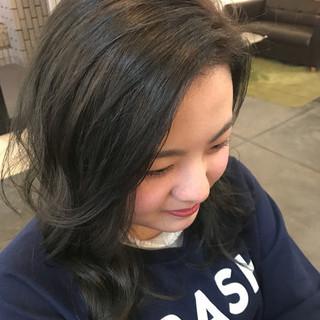 ブルージュ かき上げ前髪 ナチュラル ミディアム ヘアスタイルや髪型の写真・画像