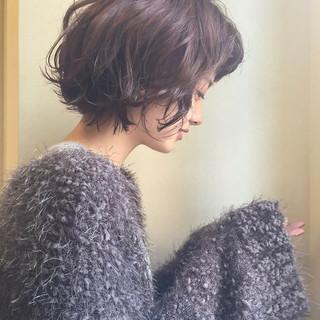 色気 暗髪 ナチュラル アッシュ ヘアスタイルや髪型の写真・画像
