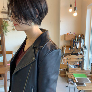 黒髪 ハンサムショート ショート モード ヘアスタイルや髪型の写真・画像 ヘアスタイルや髪型の写真・画像
