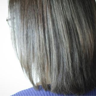 アッシュ グレー ベージュ カーキ ヘアスタイルや髪型の写真・画像