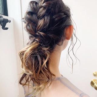 結婚式 アッシュグラデーション ヘアアレンジ ミディアム ヘアスタイルや髪型の写真・画像
