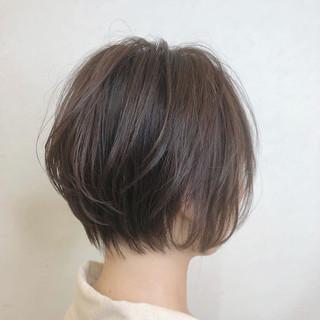 小顔ショート ハンサムショート デート フェミニン ヘアスタイルや髪型の写真・画像