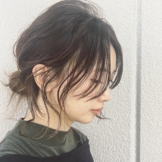 グラデーションカラー くせ毛風 ヘアアレンジ リラックス ヘアスタイルや髪型の写真・画像
