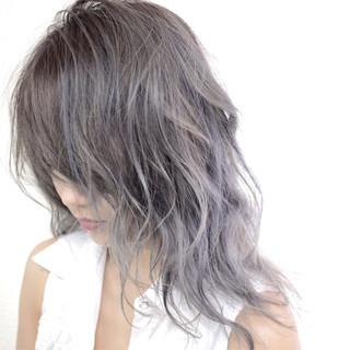 ミディアム グラデーションカラー ダブルカラー ラベンダーアッシュ ヘアスタイルや髪型の写真・画像