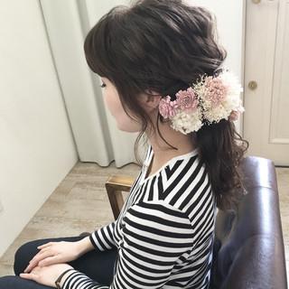 ヘアアレンジ ナチュラル ロング 波ウェーブ ヘアスタイルや髪型の写真・画像