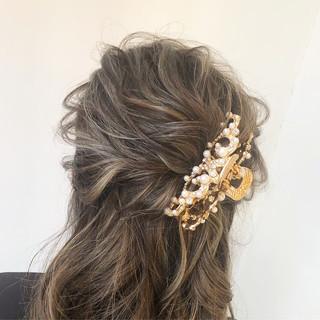 ロング 結婚式 フェミニン ルーズ ヘアスタイルや髪型の写真・画像