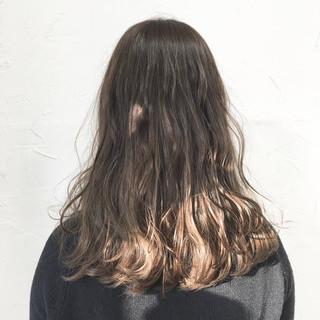 ヘアアレンジ ロング アッシュベージュ グラデーションカラー ヘアスタイルや髪型の写真・画像
