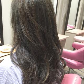 外国人風 ナチュラル 暗髪 グラデーションカラー ヘアスタイルや髪型の写真・画像