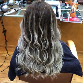 ハイライト ロング フェミニン ホワイトブリーチ ヘアスタイルや髪型の写真・画像