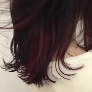 ミディアム ガーリー インナーカラー アッシュ ヘアスタイルや髪型の写真・画像