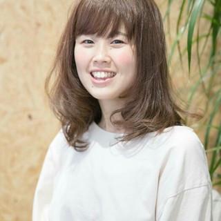外国人風カラー 秋 ワイドバング 透明感 ヘアスタイルや髪型の写真・画像