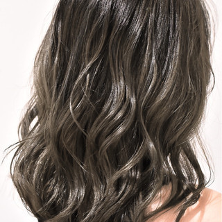 ハイライト グラデーションカラー ガーリー バレイヤージュ ヘアスタイルや髪型の写真・画像