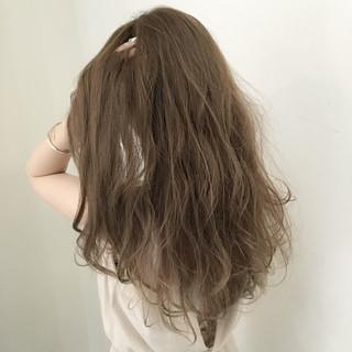 フェミニン ロング ナチュラル 透明感 ヘアスタイルや髪型の写真・画像