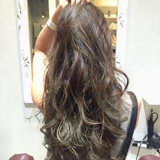 アッシュ 外国人風 グラデーションカラー 暗髪 ヘアスタイルや髪型の写真・画像 ヘアスタイルや髪型の写真・画像
