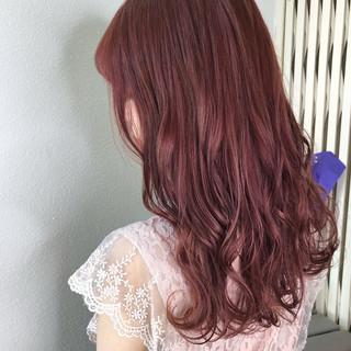 ピンクベージュ ラベンダーピンク ベリーピンク セミロング ヘアスタイルや髪型の写真・画像
