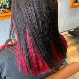 デザインカラー アッシュグレー セミロング ピンク ヘアスタイルや髪型の写真・画像