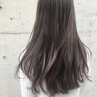 アッシュ ロング ニュアンス アッシュグレージュ ヘアスタイルや髪型の写真・画像