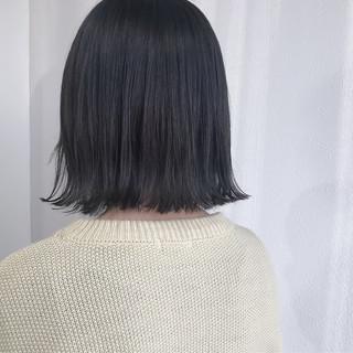 外国人風カラー ダークグレー アンニュイほつれヘア ナチュラル ヘアスタイルや髪型の写真・画像