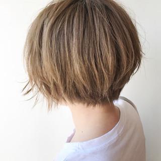 ハイトーン ショート ストリート ボブ ヘアスタイルや髪型の写真・画像