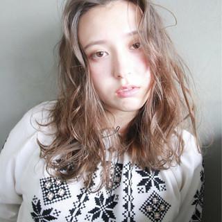 ナチュラル ラフ パーマ 外国人風 ヘアスタイルや髪型の写真・画像
