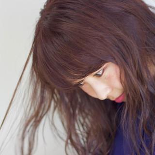 セミウェット ガーリー レッドカラー レッドブラウン ヘアスタイルや髪型の写真・画像