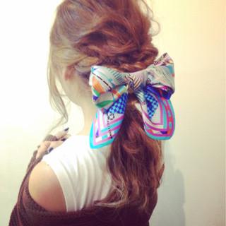 フェミニン 外国人風カラー ロング ヘアアレンジ ヘアスタイルや髪型の写真・画像