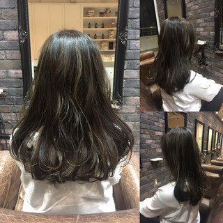 アッシュ ハイライト 暗髪 外国人風 ヘアスタイルや髪型の写真・画像