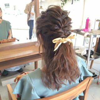編み込み ショート ゆるふわ ミディアム ヘアスタイルや髪型の写真・画像