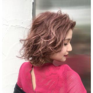 外国人風 ショート フェミニン ストリート ヘアスタイルや髪型の写真・画像