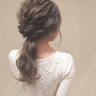 ローポニーテール ゆるふわ ナチュラル ヘアアレンジ ヘアスタイルや髪型の写真・画像