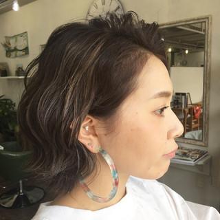 アッシュ 黒髪 暗髪 ハイライト ヘアスタイルや髪型の写真・画像