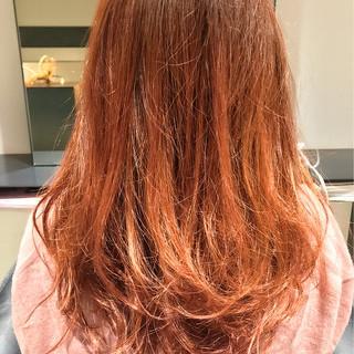 ピンクアッシュ パーマ ガーリー アッシュ ヘアスタイルや髪型の写真・画像