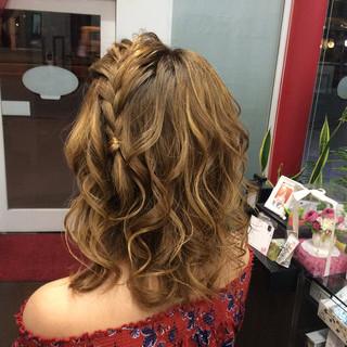 簡単ヘアアレンジ ヘアアレンジ ミディアム ガーリー ヘアスタイルや髪型の写真・画像 ヘアスタイルや髪型の写真・画像