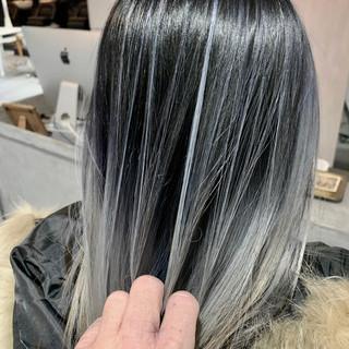 コントラストハイライト ホワイトハイライト ホワイトカラー ミディアム ヘアスタイルや髪型の写真・画像