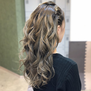 ヘアアレンジ 簡単ヘアアレンジ エレガント 外国人風フェミニン ヘアスタイルや髪型の写真・画像 ヘアスタイルや髪型の写真・画像