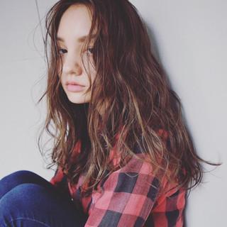 外国人風 ロング アッシュ ハイライト ヘアスタイルや髪型の写真・画像