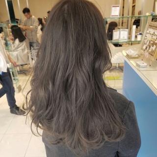 グレージュ エレガント 外国人風 ハイライト ヘアスタイルや髪型の写真・画像