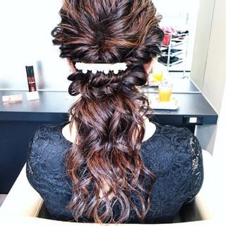 涼しげ ねじり 夏 波ウェーブ ヘアスタイルや髪型の写真・画像