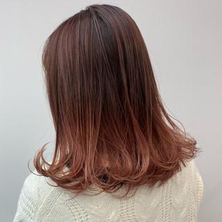 ピンクベージュ ナチュラル デート グラデーションカラー ヘアスタイルや髪型の写真・画像