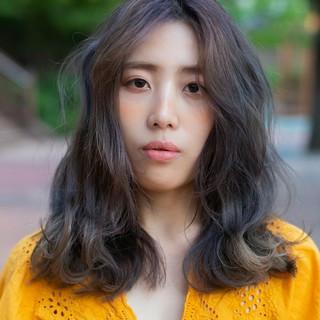 モード 韓国ヘア パーマ セミロング ヘアスタイルや髪型の写真・画像